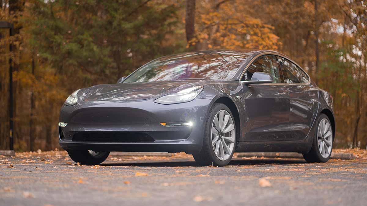 tesla-bestätigt-82-kwh-batterie-in-neuen-model-3-autos