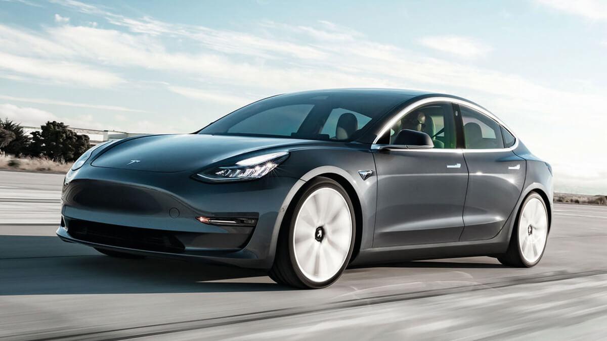 tüv-mit-elektroautos-das- wird-beim-tesla-model-3-gemacht