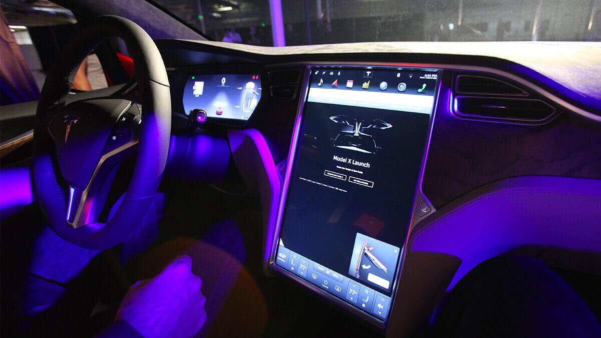 autonomes-fahren-tesla-grundlegenden-verbesserungen