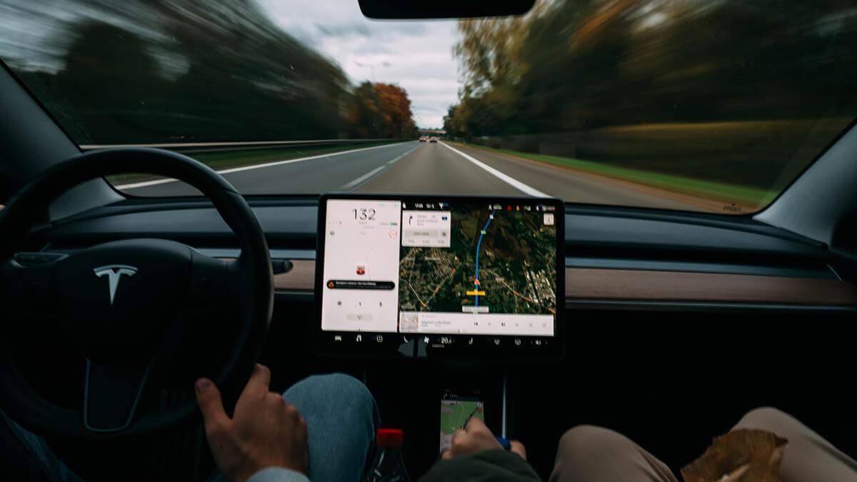 elon-musk-tesla-autopilot-update