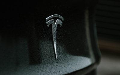 Prototyp des Tesla Cybertruck bei Gigafactory gesichtet