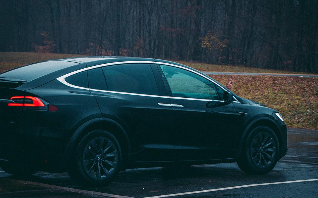Tesla statt Lambo? Model X erstmals in neuem Deutschrap-Video