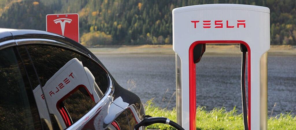 Die Tesla-Geschichte: Meilenstein Supercharger