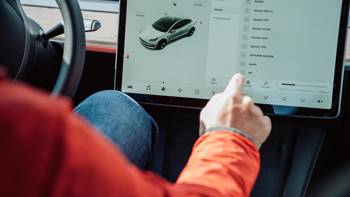 Steigt Tesla doch auf andere Autopilot-Technologie um?