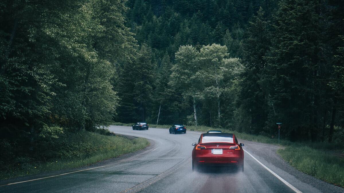 Tesla-Expansion in Europa schreitet voran: E-Autos für Rumänien und Ungarn