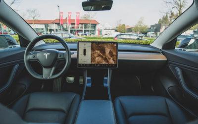 Tesla nutzt Innenkamera jetzt zur Fahrerüberwachung