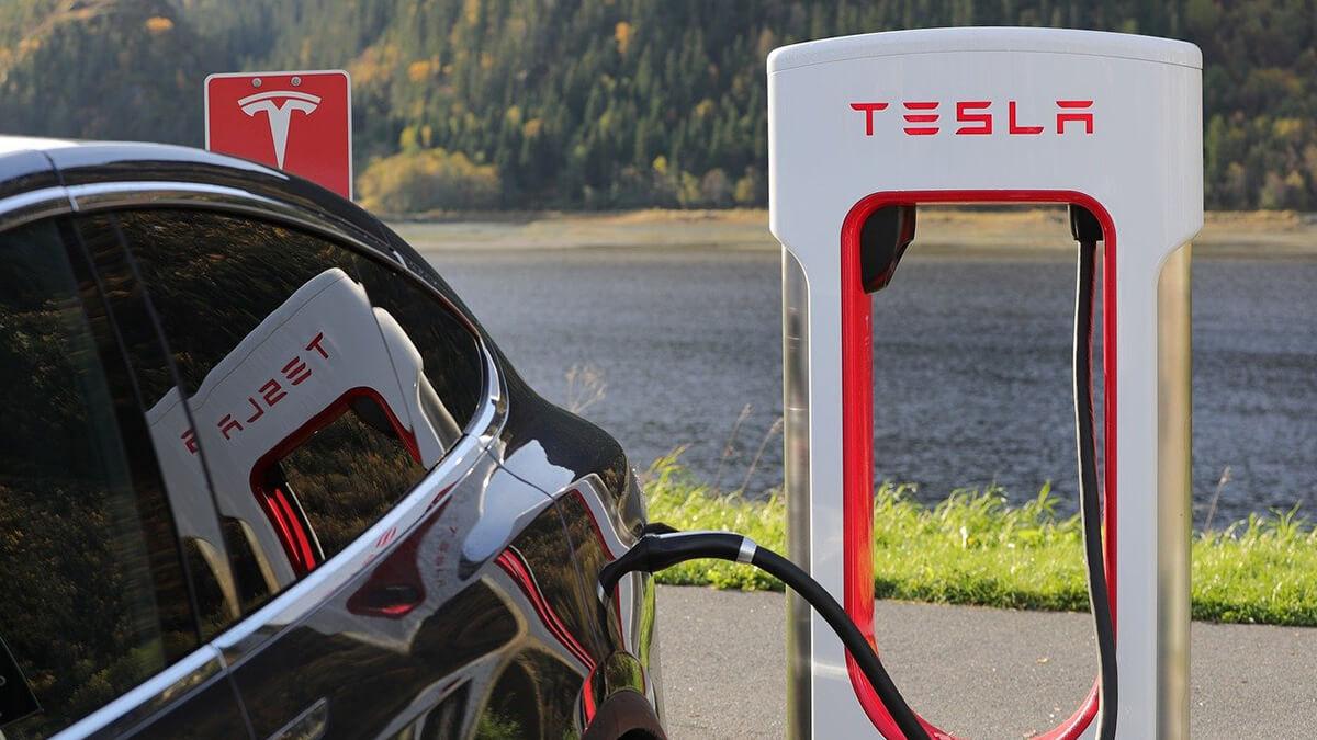 Tesla kooperiert mit niederländischem Unternehmen, um Ladenetz auszubauen