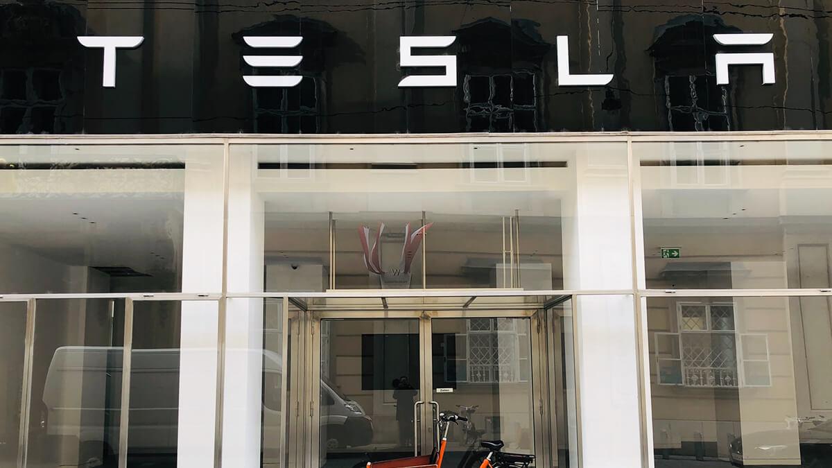 Panasonic verkauft all seine Tesla-Aktien für 3,6 Milliarden Dollar