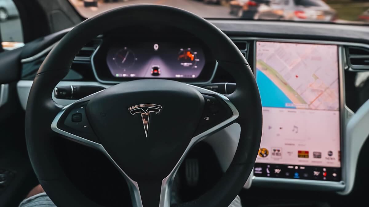 Tesla sucht nach Autopilot-Testfahrern – auch in Europa