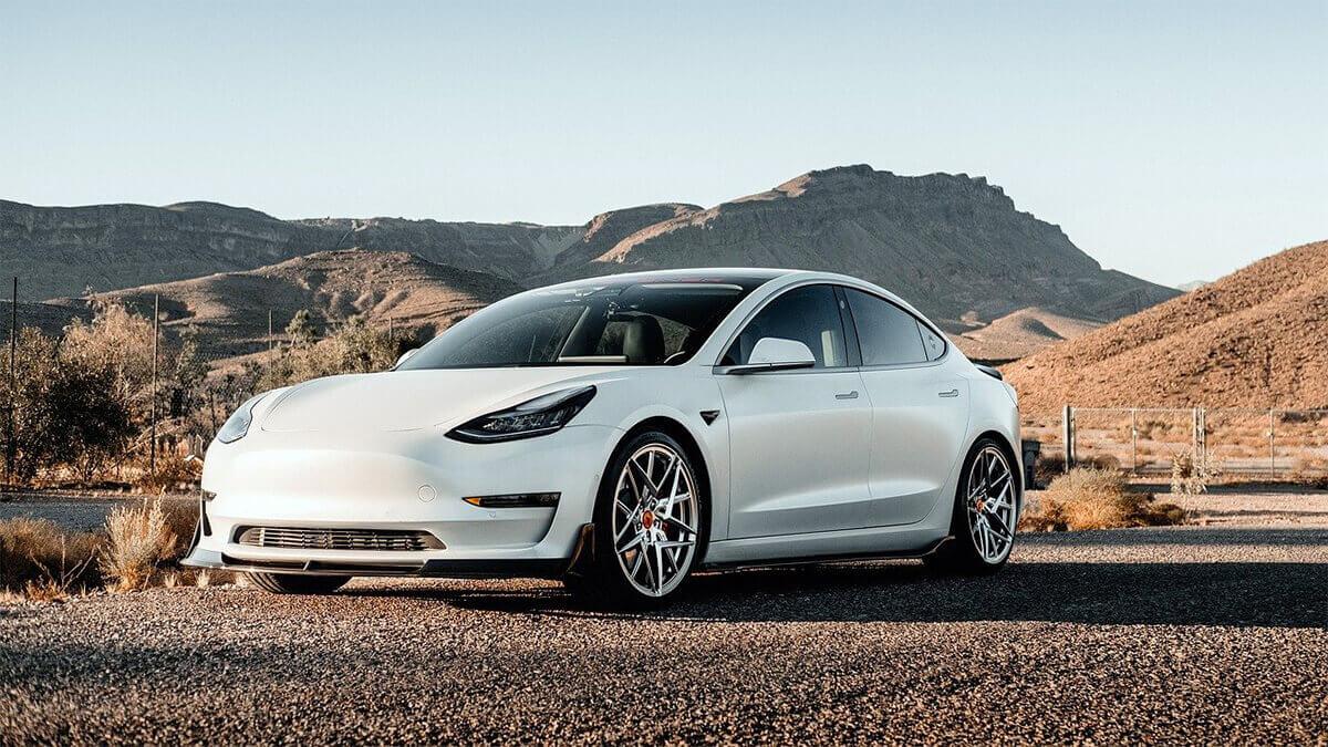 Tesla: Elon Musk erklärt steigende Preise