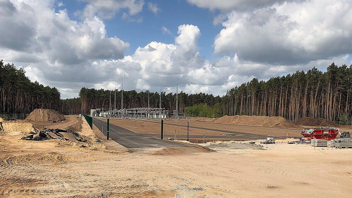 Tesla will Güter-Bahnhof bei Gigafactory Grünheide errichten