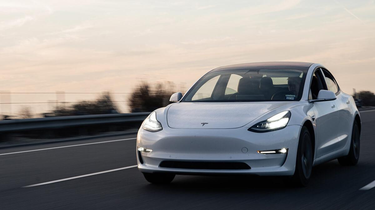 Tesla Model 3 und Model Y unter am meisten produzierten Autos in den USA