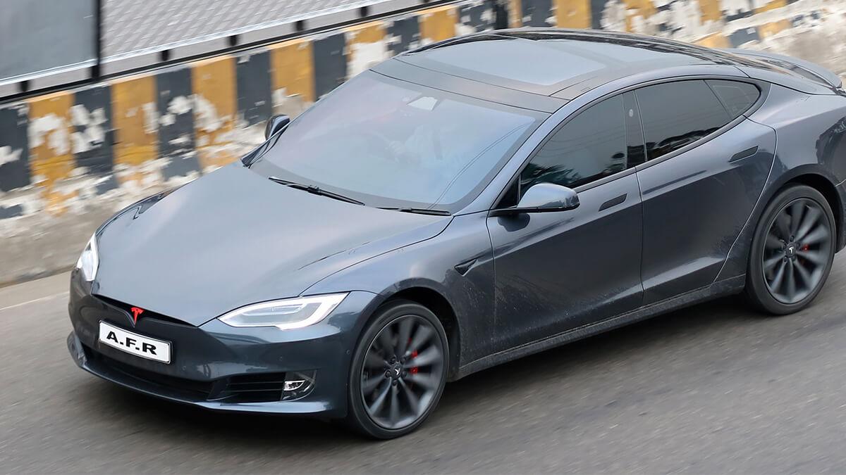 Tesla Model S Plaid bricht Weltrekord für schnellste Viertelmeile