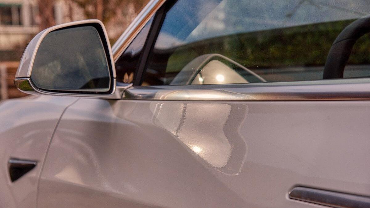 Tesla liefert neue Model Y ohne Lendenwirbelstütze – Elon Musk erklärt den Grund