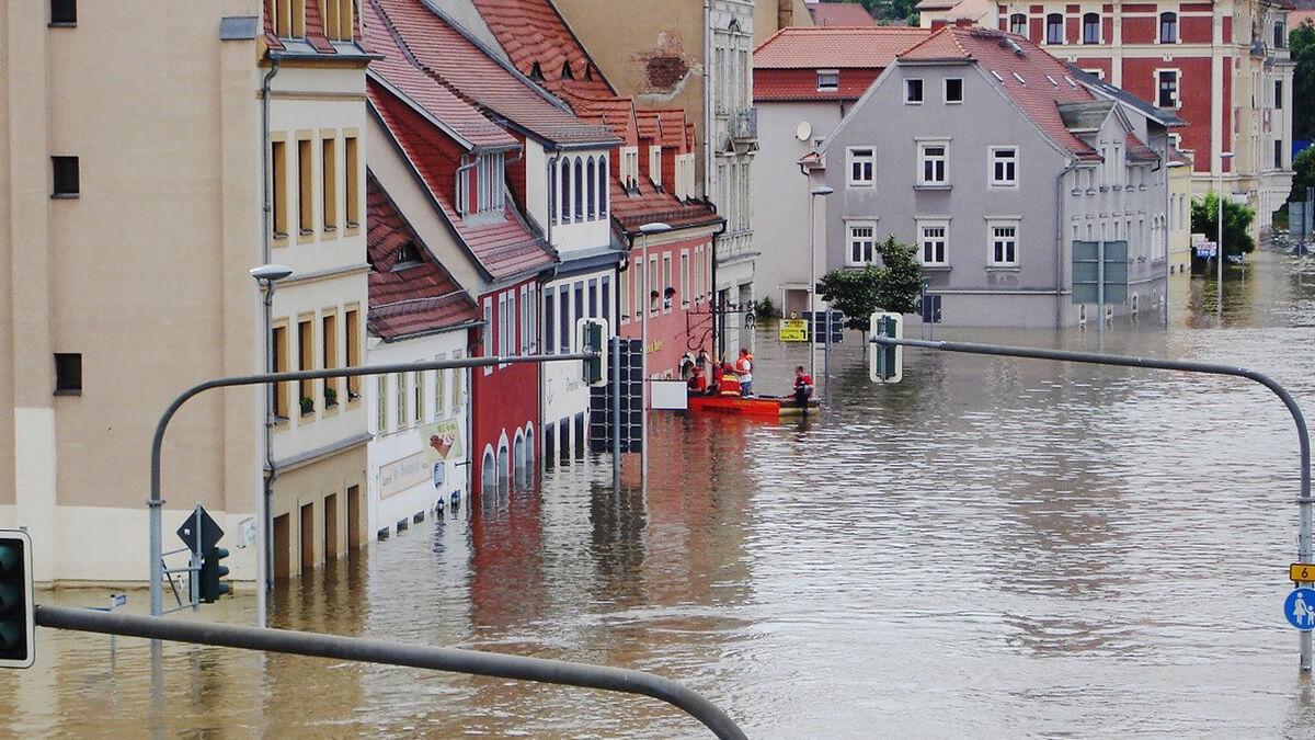 Nach Tesla-Hilfe in Hochwasser-Gebieten nun auch gratis Starlink-Internet