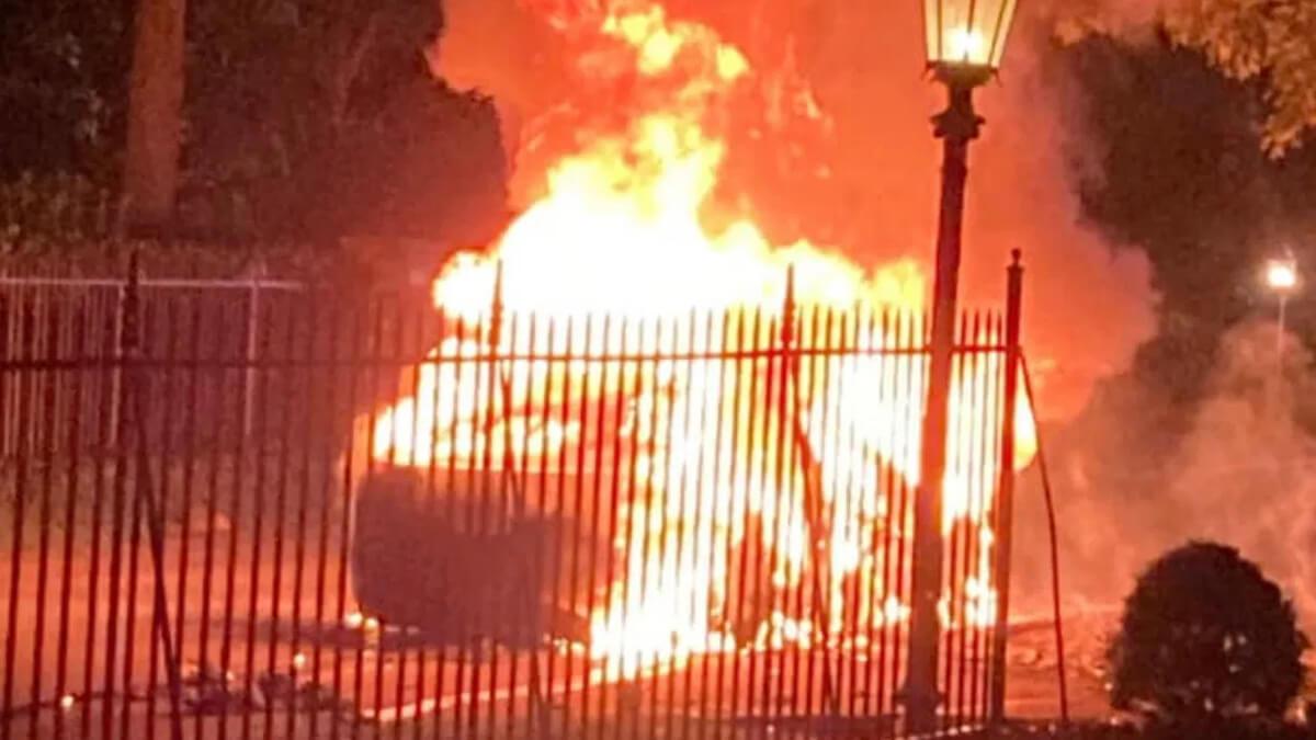 Tesla Model S Plaid geht in Flammen auf – die Umstände sind unklar