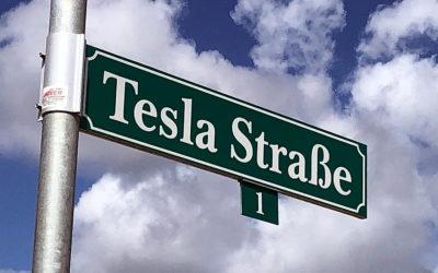 Tesla-Fabrik Grünheide: digitale Debatte mit Kritikern steht bevor