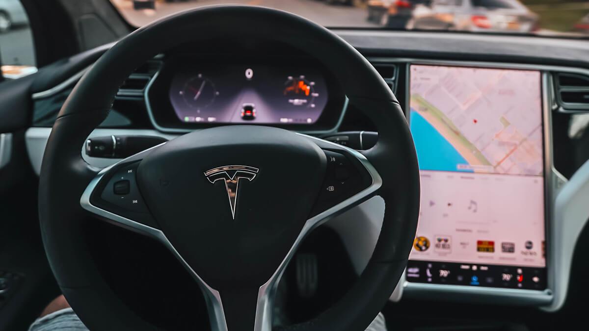 Tesla arbeitet mit IT-Legende John Carmack an Software-Upgrade für alte Tesla-Fahrzeuge
