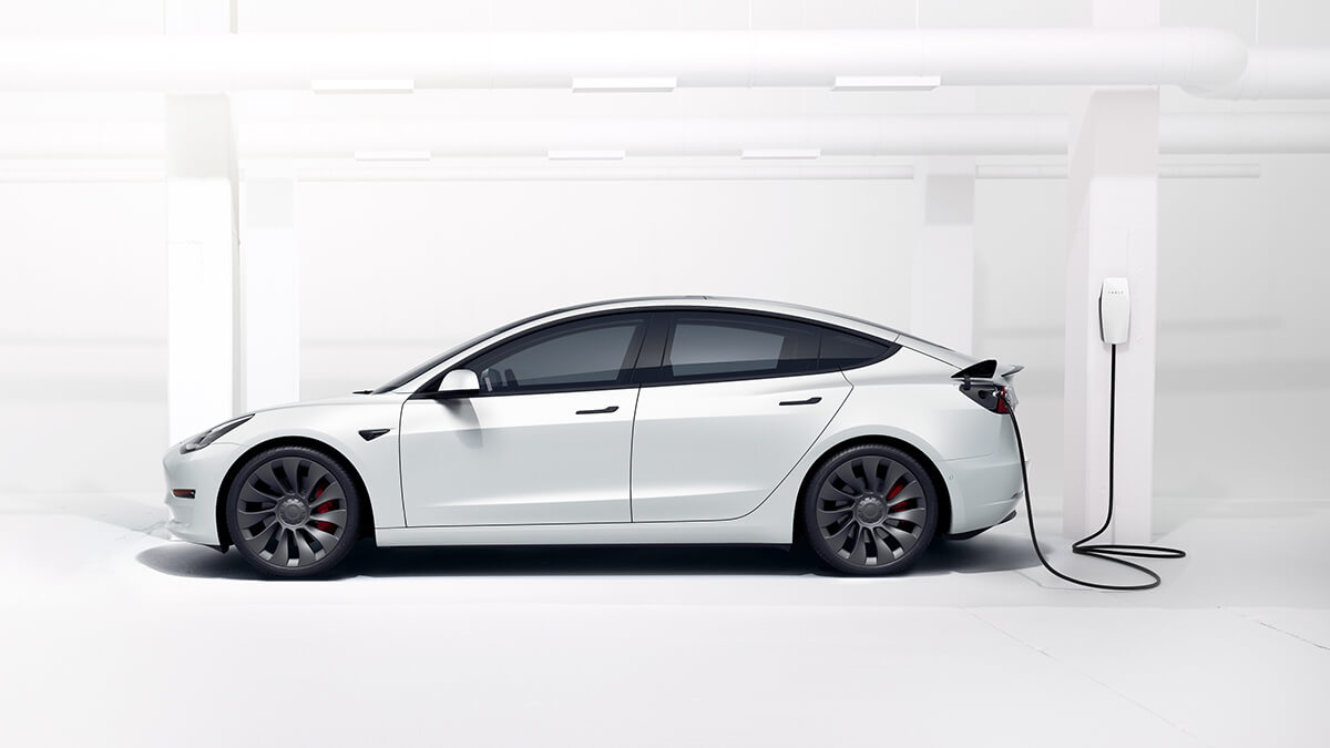 Tesla schickt Mail an Model-3-Besteller für schnellere Lieferung