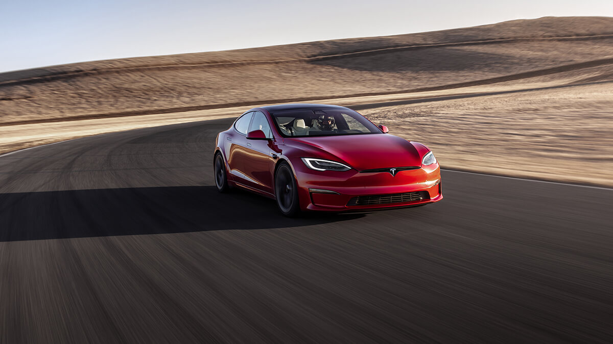 Tesla Model S Plaid verunglückt bei Testfahrt auf Nürburgring