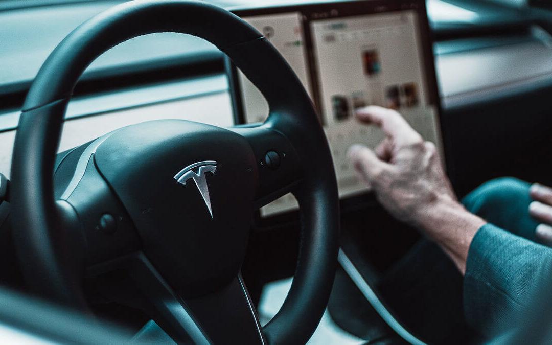 Tesla-Software Update 2021.24.12: Autopilot erkennt nun Einsatzfahrzeuge