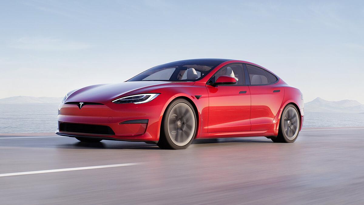 Video: Tesla Model S Plaid fegt mit 1.020 PS über Nürburgring