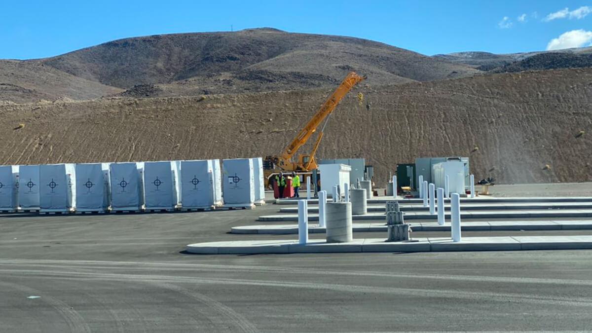Tesla nimmt erste Megacharger-Ladestation in Betrieb