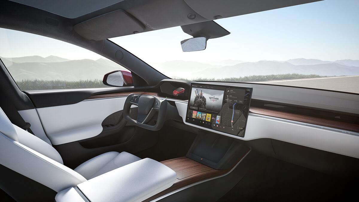 Tesla Software-Update v2021.36: Kaltwetter-Optimierungen, Yoke-Lenkrad und mehr